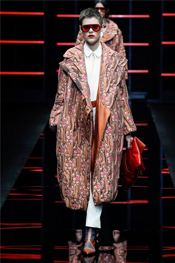 Giorgio Armani 2019秋冬米兰时装秀